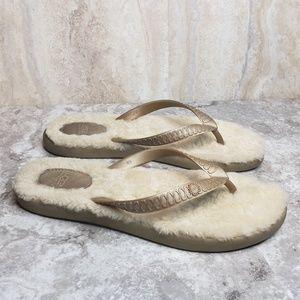 UGG Fluffie Flip Flops Sandals Tan Size 9